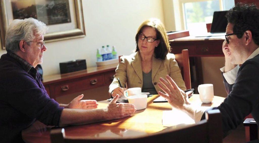 George Lucas discute con Kathleen Kennedy e J.J. Abrams